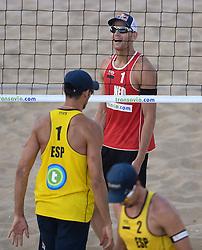18-07-2014 NED: FIVB Grand Slam Beach Volleybal, Scheveningen<br /> Knock out fase - Alexander Brouwer (1) NED