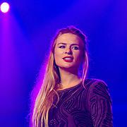 NLD/Hilversum/20130925 -  Sky Radio 25 Year Anniversary Concert, optreden Sandra van Nieuwland