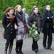 NLD/Laren/20121031 - Uitvaart Joop Stokkermans, Maaike Widdershoven en partner Daniel Staakman, Hilke Bierman en partner Thijs van Aken