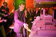 RALPH RUGOFF;   The Hayward Gallery 40th birthday Gala. hayward Gallery. South Bank. 9 July 2008 *** Local Caption *** -DO NOT ARCHIVE-© Copyright Photograph by Dafydd Jones. 248 Clapham Rd. London SW9 0PZ. Tel 0207 820 0771. www.dafjones.com.