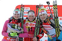 Skiskyting , 1. mars 2013 , BIATHLON - IBU Weltcup, 7,5km Sprint der Damen, Siegerehrung. Bild zeigt Darya Domracheva (BLR), Tora Berger (NOR) und Anastasiya Kuzmina (SVK)<br /> Norway only