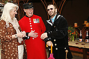 JAN HOWARD, STAN PEPPER AND RINGO STARR, Press Preview of the RHS Chelsea Flower Show sponsored by Saga Insurance Services. Royal Hospital Rd. London. 22 May 2006. ONE TIME USE ONLY - DO NOT ARCHIVE  © Copyright Photograph by Dafydd Jones 66 Stockwell Park Rd. London SW9 0DA Tel 020 7733 0108 www.dafjones.com