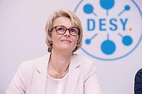 31 MAY 2018, HAMBURG/GERMANY:<br /> Anja Karliczek, CDU, Bundesministerin fuer Bildung und Forschung,, Besuch des Deutschen Elektronen-Synchrotons, DESY<br /> IMAGE: 20180531-01-026