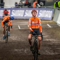 30-01-2021: Wielrennen: WK Veldrijden: Oostende<br /> Fem van Empel (NED) pakt de wereldtitel bij de  vrouwen onder de 23