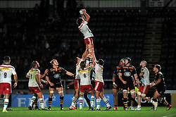 Charlie Matthew of Harlequins wins lineout ball - Photo mandatory by-line: Patrick Khachfe/JMP - Mobile: 07966 386802 26/10/2014 - SPORT - RUGBY UNION - High Wycombe - Adams Park - Wasps v Harlequins - European Rugby Champions Cup