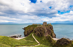 THEMENBILD - Blick auf die Burgruine Dunnottar Castle bei Stonehaven, Schottland, aufgenommen am 07. Juni 2015 // view of the ruins of Dunnottar Castle near Stonehaven, Scotland on 2015/06/07. EXPA Pictures © 2015, PhotoCredit: EXPA/ JFK