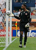 Photo: Glyn Thomas.<br />England v Trinidad & Tobago. Group B, FIFA World Cup 2006. 15/06/2006.<br /> Trinidad & Tobago's goalkeeper Shaka Hislop.