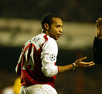 Photo. Chris Ratcliffe, Digitalsport<br /> Arsenal v Bayern Munich. Champions League. 09/03/2005<br /> Thierry Henry asks where it all went wrong