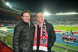 22.03.2013, Ernst Happel Stadion, Wien, AUT, FIFA WM Qualifikation, Oesterreich vs Faeroeer, im Bild v.l.n.r. Norbert Darabos und Gerald Klug // during the FIFA World Cup Qualifier Match between Austria and Faroe Islands at the Ernst Happel Stadium, Vienna, Austria on 2013/03/22. EXPA Pictures © 2013, PhotoCredit: EXPA/ Michael Gruber