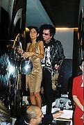 Yasmin Mills and Nicky Haslam. Gilda's Club party. Isola. London. 5/2/01 © Copyright Photograph by Dafydd Jones 66 Stockwell Park Rd. London SW9 0DA Tel 020 7733 0108 www.dafjones.com