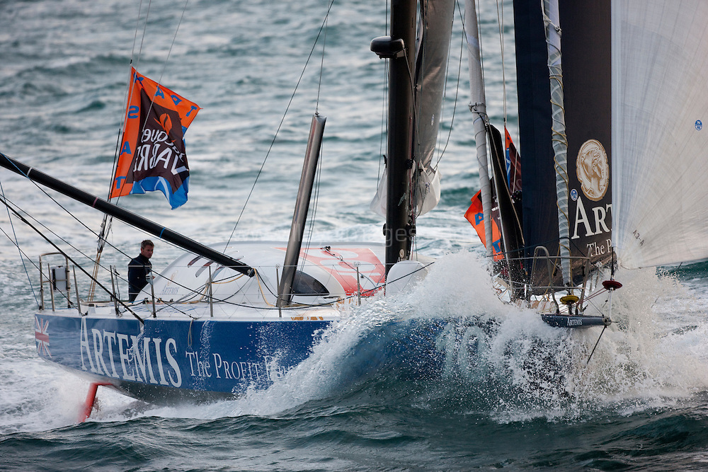 """8th November 2009. Transat Jacques Vabre Yacht Race.Le Havre. France. ..Pictures of the """"Artemis"""" IMOCA Open60 skippered by Sam Davies (GBR) with co skipper Sidney (GBR)...Please credit """"Lloyd Images"""""""