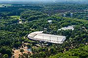 Nederland, Gelderland, Arnhem, 29-05-2019; Burgers' Zoo, particulier geëxploiteerde dierentuin. Het grote gebouw huisvest onder andere het Safari Meeting Centre, aquarium Burgers' Ocean en Burger's Bush, tropisch regenwoud. <br /> Private zoo Burgers' Zoo.<br /> <br /> luchtfoto (toeslag op standard tarieven);<br /> aerial photo (additional fee required);<br /> copyright foto/photo Siebe Swart