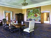Ekspozycja muzealna urządzona w zamkowych komnatach.