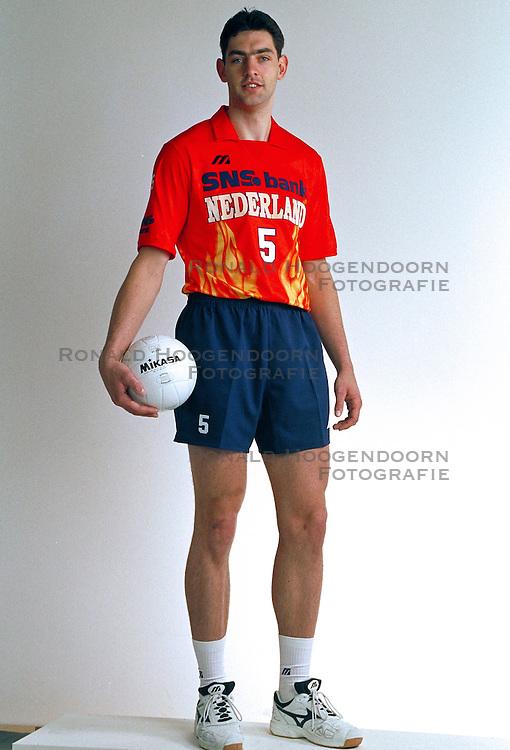 21-05-1997 VOLLEYBAL: TEAMPRESENTATIE MANNEN: WOERDEN<br /> Guido Gortzen<br /> ©2007-WWW.FOTOHOOGENDOORN.NL