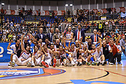 DESCRIZIONE : Beko Supercoppa 2015 Finale Grissin Bon Reggio Emilia - Olimpia EA7 Emporio Armani Milano<br /> GIOCATORE : Team Grissin Bon Reggio Emilia<br /> CATEGORIA : Premio Premiazione Coppa Esultanza<br /> SQUADRA : Grissin Bon Reggio Emilia<br /> EVENTO : Beko Supercoppa 2015<br /> GARA : Grissin Bon Reggio Emilia - Olimpia EA7 Emporio Armani Milano<br /> DATA : 27/09/2015<br /> SPORT : Pallacanestro <br /> AUTORE : Agenzia Ciamillo-Castoria/L.Canu