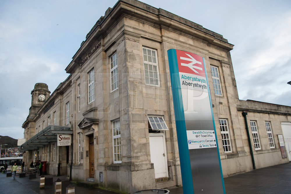 © London News Pictures. 04/01/2016. Aberystwyth, Uk. All services on the Arriva Wales Trains network in Wales have been cancelled today, following a 24 hour strike by train drivers, members of the union ASLEF, over employment terms and conditions. Arriva Trains is advising passengers to make alternative travel plans for today, and to check the availability of services on Tuesday morningPhoto credit: Keith Morris/LNP
