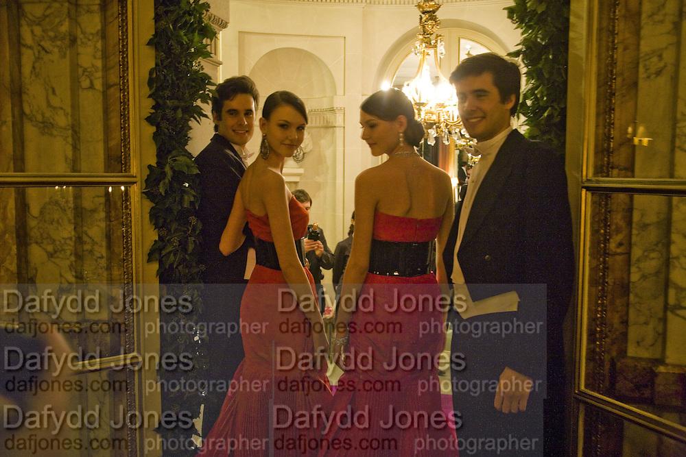 ROZANNA  AND WERONIKA MISIUREWICZ AND JOHN RODRIGO AND FELIPE OLAECHEA. Crillon Debutante Ball 2007,  Crillon Hotel Paris. 24 November 2007. -DO NOT ARCHIVE-© Copyright Photograph by Dafydd Jones. 248 Clapham Rd. London SW9 0PZ. Tel 0207 820 0771. www.dafjones.com.