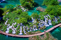Croatie, Parc national des lacs de Plitvice classé Patrimoine Mondial de l' UNESCO, les lacs inférieurs // Croatia, Plitvice lakes National Park, Lower Lakes, Unesco World Heritage