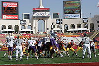 7 October 2006: #85 Caesar Rayford jumps high and reaches for the ball during a field goal kick in the end zone during NCAA College Football Pac-10 USC Trojans 26-6 win over the Washington Huskies at the LA Coliseum during a sunny saturday game in Los Angeles, CA.<br />