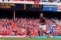 Photo: Daniel Hambury.<br />Arsenal v Wigan Athletic. The Barclays Premiership. 07/05/2006.<br />Arsenal's Thierry Henry scores to make it 3-2.