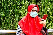 corona in indonesie  mondkapje staatsbezoek Staatsbezoek van<br /> Zijne Majesteit de Koning willem alexander en kiningin maxima  vergezeld door<br /> Hare Majesteit Koningin Máxima, aan<br /> Indonesië  ROBIN UTRECHT