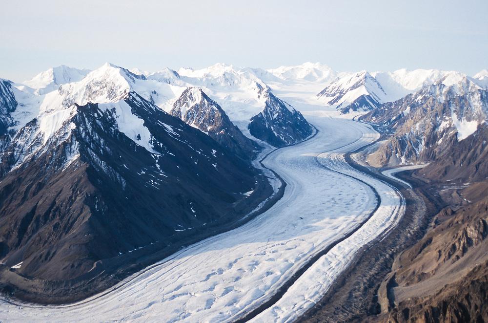 Canada . Yukon Territory , Kaskawulsh Glacier and St Elias Mts in Kluane National Park .