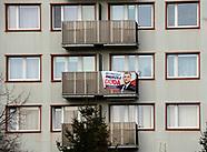 Samotny plakat Andrzeja Dudy