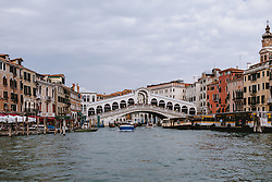 THEMENBILD - Rialto Brücke bei Tag, aufgenommen am 04. Oktober 2019 in Venedig, Italien // Rialto bridge by day, in Venice, Italy on 2019/10/04. EXPA Pictures © 2019, PhotoCredit: EXPA/Stefanie Oberhauser