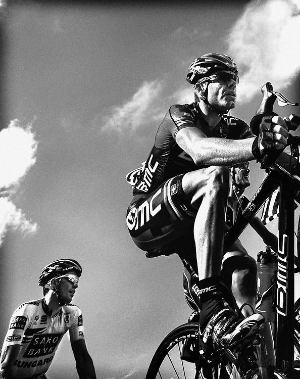 Frankrijk, Plateau de Beille, 16-07-2011.<br /> Wielrennen, Tour de France, 14e Etappe.<br /> Cadel Evans van BMC op 800 meter van de finish met achter hem Alberto Contador en naast hem Frank Schleck.<br /> Foto: Klaas Jan van der Weij