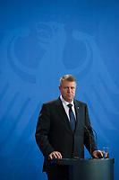 DEU, Deutschland, Germany, Berlin, 26.02.2015: Der rumänische Präsident Klaus Johannis bei einer Pressekonferenz im Bundeskanzleramt.