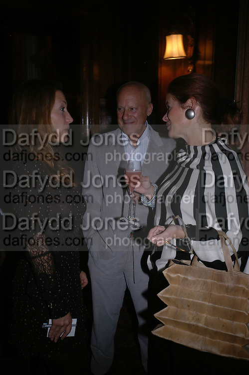 Lord and Lady Foster and Diana Widmaier Picasso. Book launch for ' Picasso: Art Can Only Be Erotic' by diana Widmaier Picasso. American Bar at the Connaught. Carlos Place. London W1.  October 11 2005. ONE TIME USE ONLY - DO NOT ARCHIVE © Copyright Photograph by Dafydd Jones 66 Stockwell Park Rd. London SW9 0DA Tel 020 7733 0108 www.dafjones.com