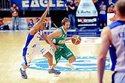DESCRIZIONE : Cantù Lega A 2013-14 Pallacanestro Cantù Sidigas Avellino<br /> GIOCATORE : Cavaliero Daniele<br /> CATEGORIA : Palleggio<br /> SQUADRA : Sidigas Avellino<br /> EVENTO : Campionato Lega A 2013-2014<br /> GARA : Pallacanestro Cantù Sidigas Avellino<br /> DATA : 10/11/2013<br /> SPORT : Pallacanestro <br /> AUTORE : Agenzia Ciamillo-Castoria/I.Mancini<br /> Galleria : Lega Basket A 2013-2014  <br /> Fotonotizia :  Cantù Lega A 2013-14 Pallacanestro Cantù Sidigas Avellino<br /> Predefinita :