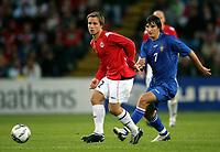 Fotball , 6. september 2006 , EM-kvalifisering , Norge - Moldova 02,<br /> Euro - q.<br /> Norway - Moldova<br /> Serghei Covalciuc  , Moldova og Kristofer Hæstad , Norge