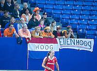 BOOM -  Supporters van Ellen Hoog tijdens de halve finale van het EK hockey tussen de vrouwen van Nederland en Engeland. ANP KOEN SUYK