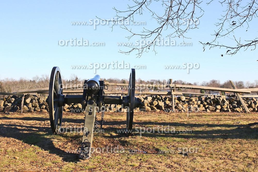 11.01.2016, Museum, Gettysburg, USA, Battle of Gettysburg, im Bild An der Strecke der Auto-Tour stehen immer wieder Kanonen und Gedenksteine, Schlachtfeld von Gettysburg // View the historic site of the Battle of Gettysburg at Museum in Gettysburg, United States on 2016/01/11. EXPA Pictures © 2016, PhotoCredit: EXPA/ Eibner-Pressefoto/ Hundt<br /> <br /> *****ATTENTION - OUT of GER*****