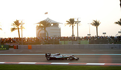 Rennen des Grand Prix von Abu Dhabi auf dem Yas Marina Circuit / 271116<br /> <br /> ***Abu Dhabi Formula One Grand Prix on November 27th, 2016 in Abu Dhabi, United Arab Emirates - Racing Day *** 2016 FORMULA 1 ETIHAD AIRWAYS ABU DHABI GRAND PRIX,  24.11. - 27.11.2016 <br /> Nico Rosberg (GER#6), Mercedes AMG Petronas Formula One Team