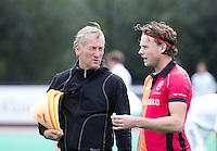 ROTTERDAM -HOCKEY - ABN AMRO CUP , als voorbereiding op de competitie. Oranje-Rood assistent coach Joost van de Hoef met Bob de Voogd.   COPYRIGHT KOEN SUYK