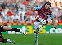 Photo: Paul Greenwood.<br />Sheffield United v West Ham United. The Barclays Premiership. 14/04/2007.<br />West Ham's Carlos Tevez shoots