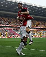 Photo: Paul Thomas.<br />Watford v Manchester United. The FA Cup, Semi Final. 14/04/2007.<br /><br />Kieran Richardson and Man Utd celebrate his goal.