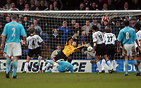 Photo. Javier Garcia<br />01/03/2003 Fulham v Sunderland, FA Barclaycard Premiership, Loftus Road<br />Kevin Kilbane misses from close range