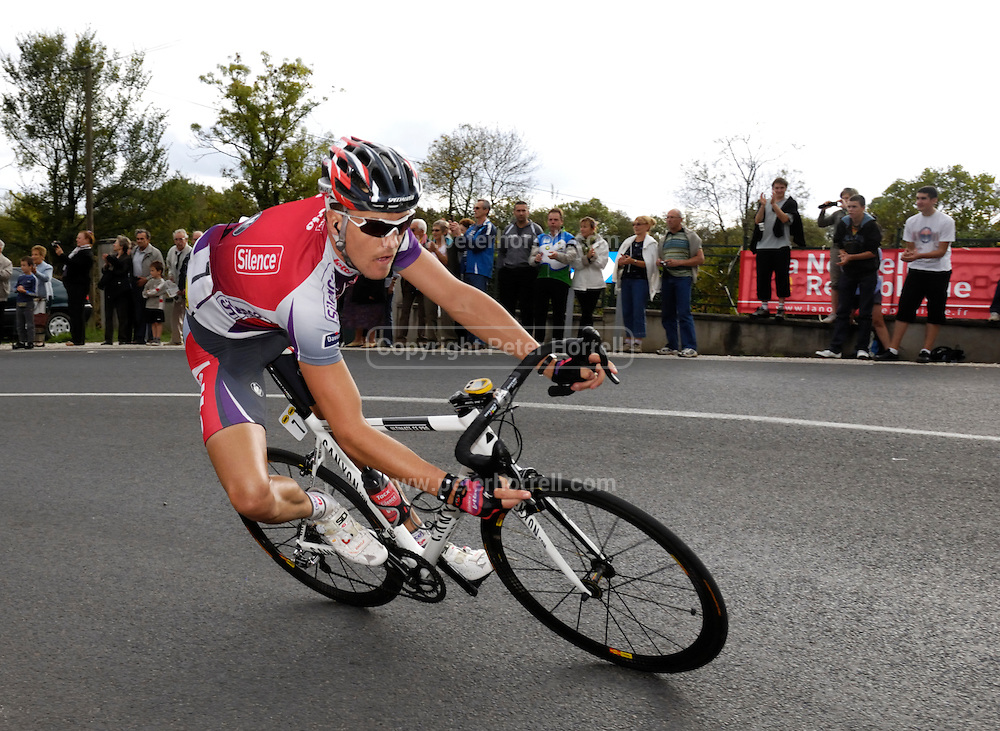 France, VEIGNE , 11 October 2009: Roy SENTJENS, SKIL-SHIMANO (SKS), on the Côte de Crochu climb during the 2009 Paris Tours cycle race. Photo by Peter Horrell / http://peterhorrell.com...