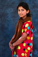 Tadjikistan, Asie centrale, Monts Fan, la vallée du Yagnob, portrait d'une jeune fille // Tajikistan, Central Asia, Fann Mountains, Yagnob valley, young girl portrait