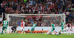 04-08-2015 NED: UEFA CL qualifying AFC Ajax - Rapid Wien, Amsterdam<br /> Ajax is al in de derde voorronde van de Champions League uitgeschakeld. Rapid Wien bleek een niet te nemen horde. Na de 2-2 in Wenen waren de Oostenrijkers in de Arena met 3-2 te sterk / Louis Schaub #10 scoort de 3-2