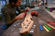 """Milan, handmade basses and guitars from italian artisan """"Jacaranda""""...Milano, lliuteria artigianale """"Jacaranda"""" dove vengono costruiti bassi e chitarre acustiche ed elettriche."""