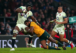 Maro Itoje of England is tackled by Marika Koroibete of Australia - Mandatory by-line: Robbie Stephenson/JMP - 18/11/2017 - RUGBY - Twickenham Stadium - London, England - England v Australia - Old Mutual Wealth Series
