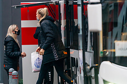 Kelly Dulfer gets off the bus for training during the Women's EHF Euro 2020 at Sydbank Arena on December 9, 2020 in Kolding, Denmark (Photo by RHF Agency / Ronald Hoogendoorn)