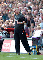 Photo: Tony Oudot.<br />Charlton Athletic v Wigan Athletic. The Barclays Premiership. 31/03/2007.<br />Alan Pardew the Charlton manager celebrates after his side scored