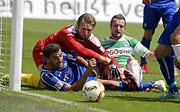 Fotball<br /> Tyskland<br /> Foto: imago/Digitalsport<br /> NORWAY ONLY<br /> <br /> 25.07.2015 - Fussball - Saison 2015 2016 - 2. Fussball - Bundesliga - 01. Spieltag: SpVgg Greuther Fürth Fuerth - Karlsruher SC KSC Karlsruhe - / - Martin Stoll (4, Karlsruher SC ) Dirk Orlishausen (1, Karlsruher SC ) Veton Berisha (19, SpVgg Greuther Fürth )
