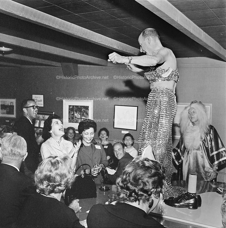 Y-620916-06-09. Oregon Restaurant Association first annual convention, Hotel Gearhart, Surfside Motel. September 16/17/18, 1962