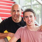 NLD/Hilversum/20160730 - Boekpresentatie Menthal Theo, Theo en zoon Nick